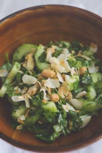 Gurken-Sate-Salat mit Kokosflakes