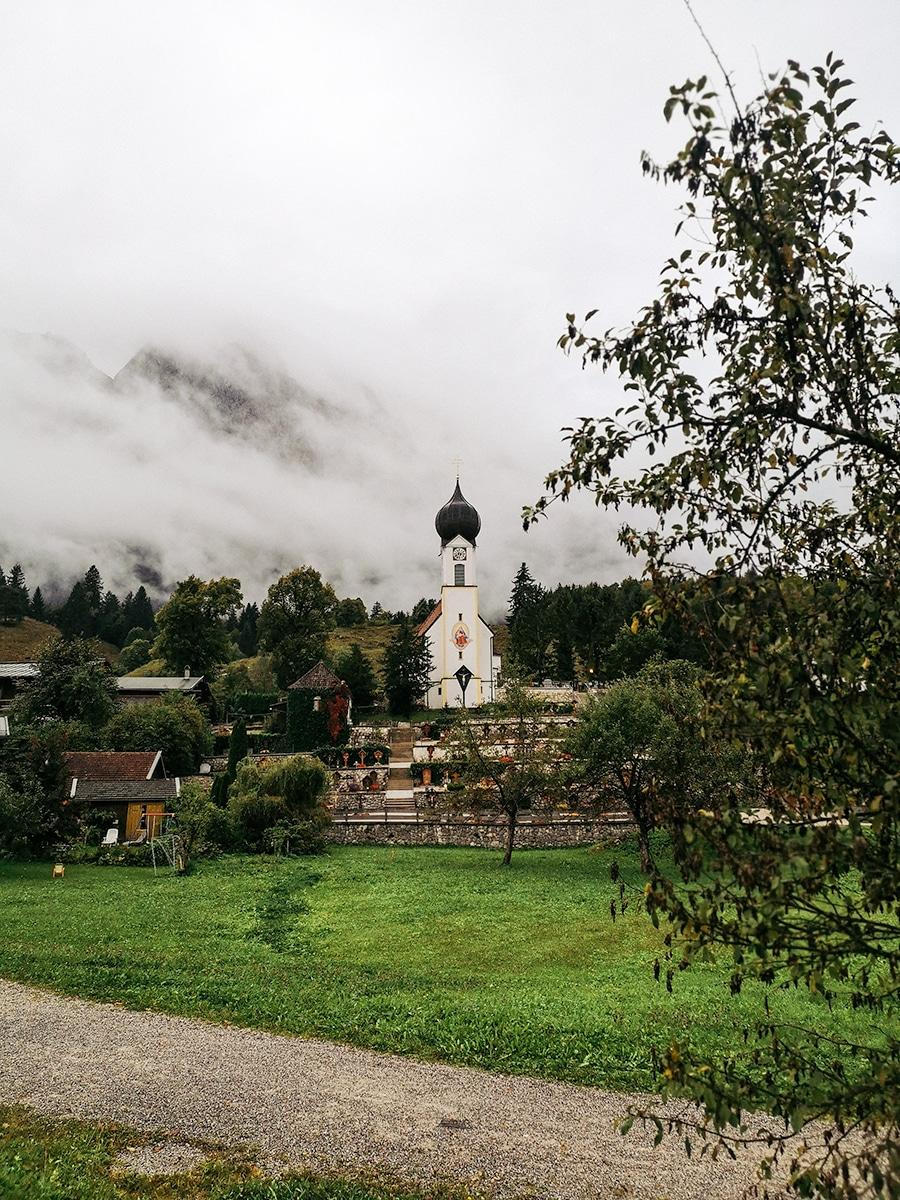 Eine der vier Kirchen von Grainau
