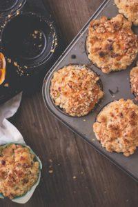 Muffins mit Röst-Pfirsichen
