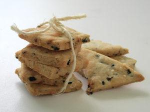 Oliven-Parmesan-Cracker