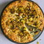 Polenta-Lauchkuchen mit Feta und Zitrone