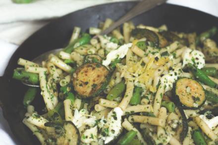 Sommer-Zucchini-Pastasalat